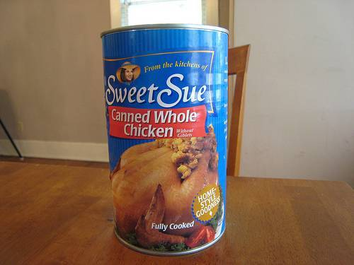 Pollo en lata