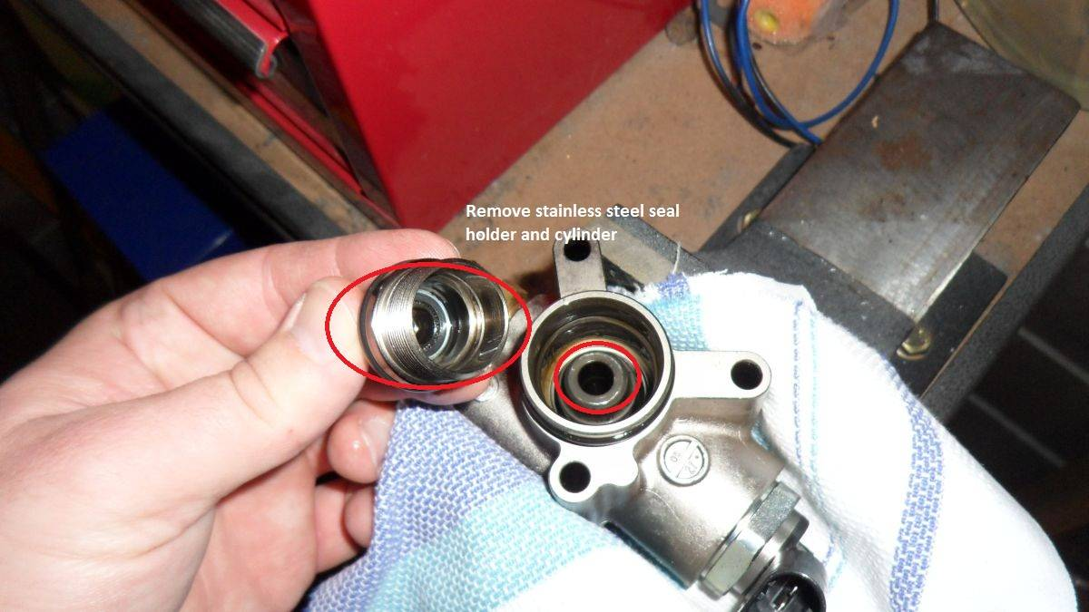 Vwvortexcom Autotech Hpfp Upgrade Full Diy Guide With Pics Skoda Octavia Vrs Fuse Box Location 16 The 18mm Nut Removed You Can Now Remove Stainless Steel Seal Holder And Cylinder Place Spring Piston